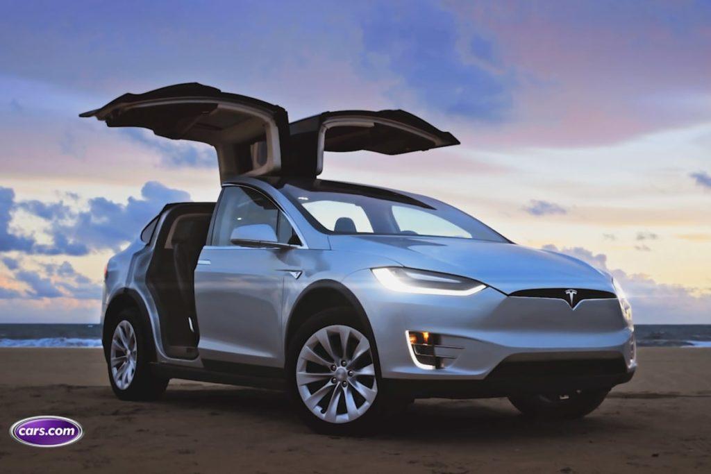 Tesla Model X tanıtıldı  !