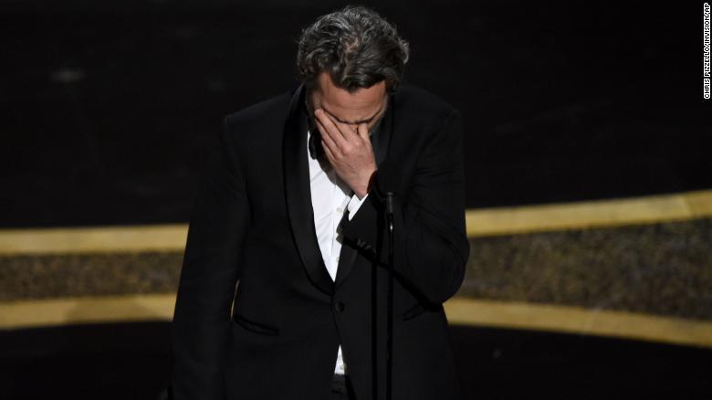 Joaquin Phoenix en iyi erkek oyuncu seçildi ve Oscar konuşması etkiledi.