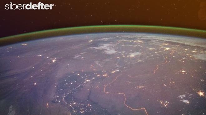 Mars gezegeninde yeşil parıltı tespit edildi