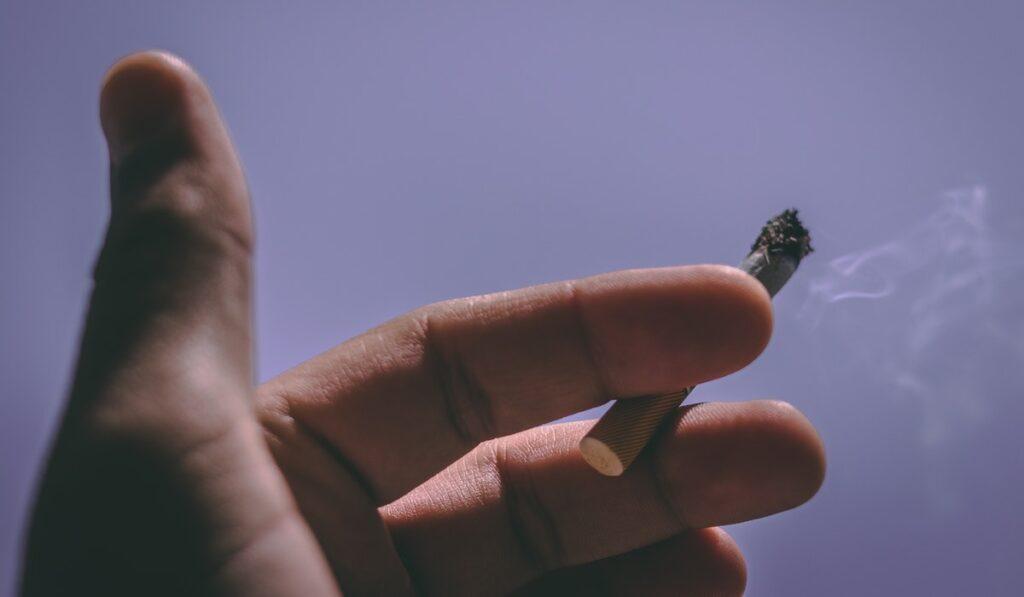Sigarayı Bırakmaya Çalışmak Kolay mı?