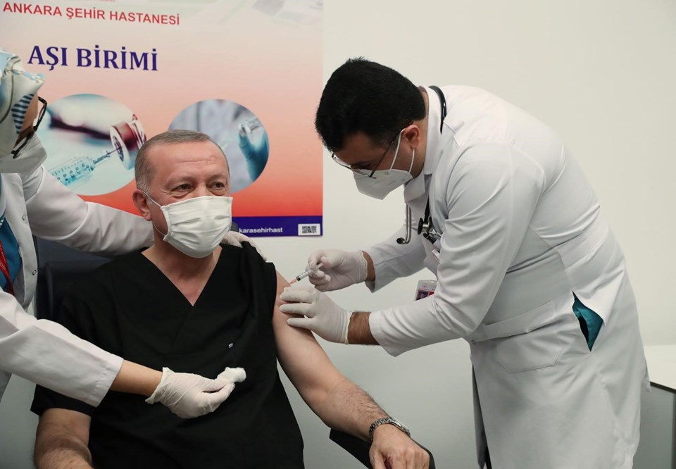 Cumhurbaşkanı Recep Tayyip Erdoğan COVID-19 Aşısı Oldu!